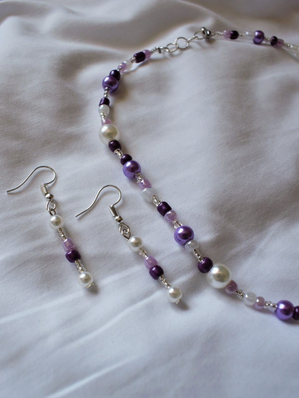 Beaded by Robyn white and purple beaded jewellery