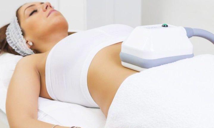 A woman receiving a fat freezing treatment at Diminish Clinic