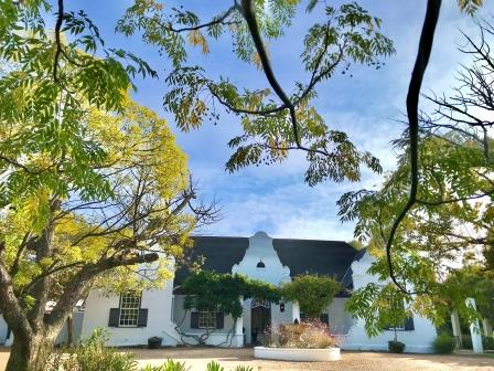 Front of Albourne Boutique Guest House in Somerset West on a clear day